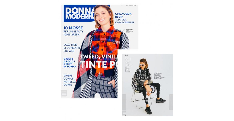Editoriale Donna Moderna con gli anelli Tinta Unita